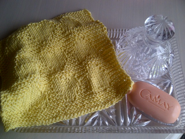 Lemon Baby Heart Cotton Wash Cloth - Excellent for Baby or Yourself - Hand Kntted in Scotland